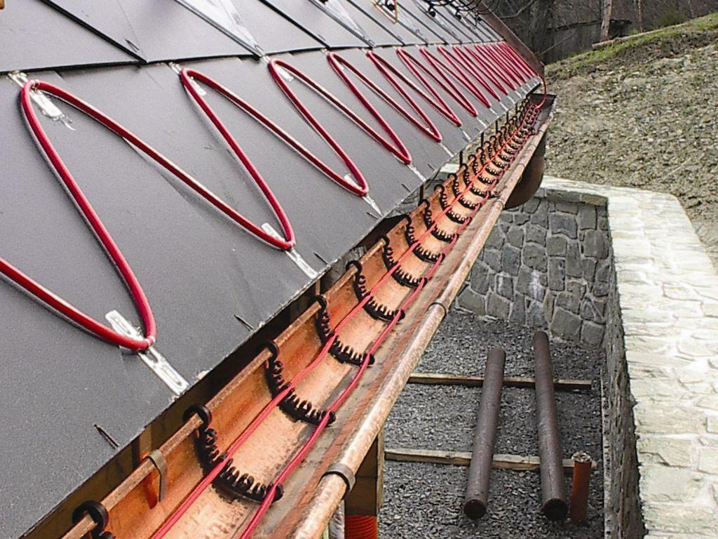 Монтаж системы обогрева защиты крыш от сосулек