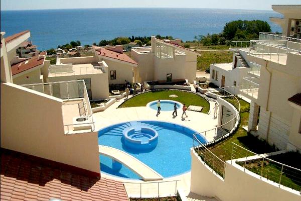 """комплекс вилл """"Sun Village"""" с панорамным видом на море в Болгарии"""
